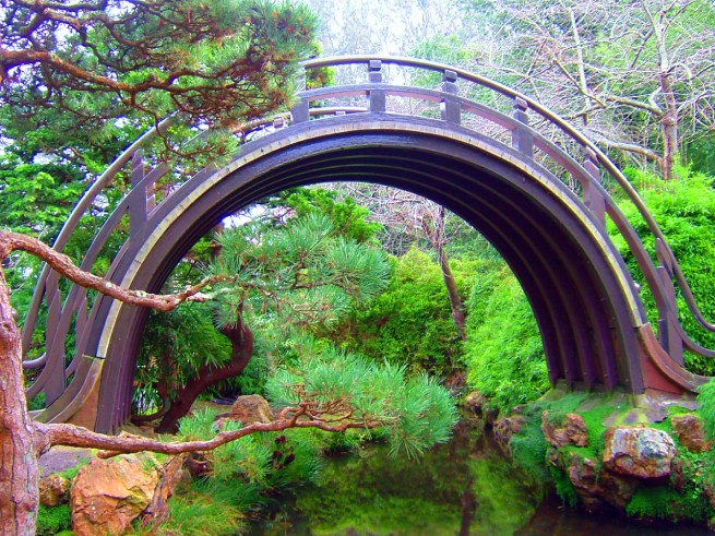 A híd, a keleti filozófia szerint lélekvándorlás-szimbólum,
