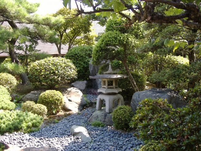 japánkert - száraz patakmeder
