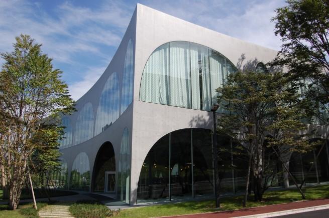 INOUT-HOME / Tama Art University Library 2006 tokyo