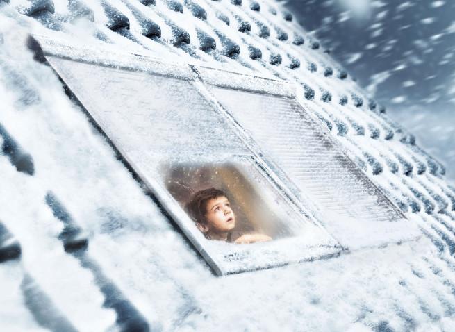 Velux_Winter_Rolläden_kleiner_Junge
