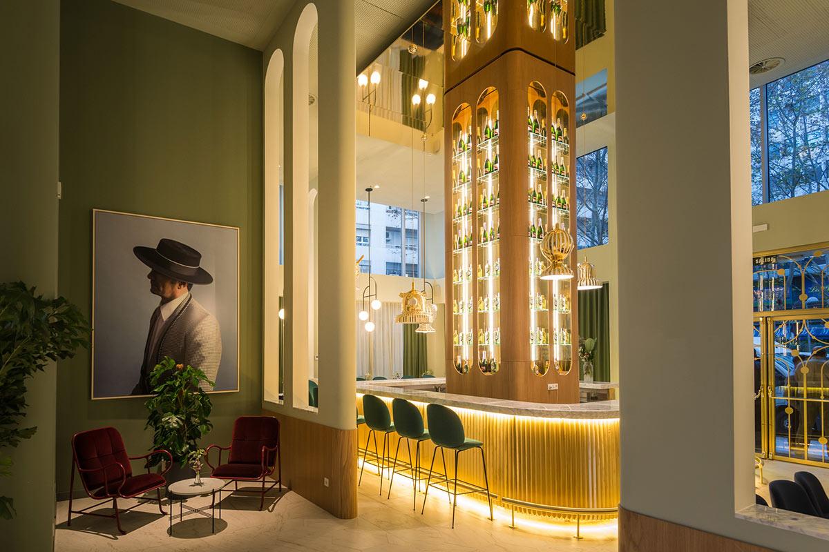 Design hotel madrid legh resebb torony p let ben inout home for Design hotel madrid