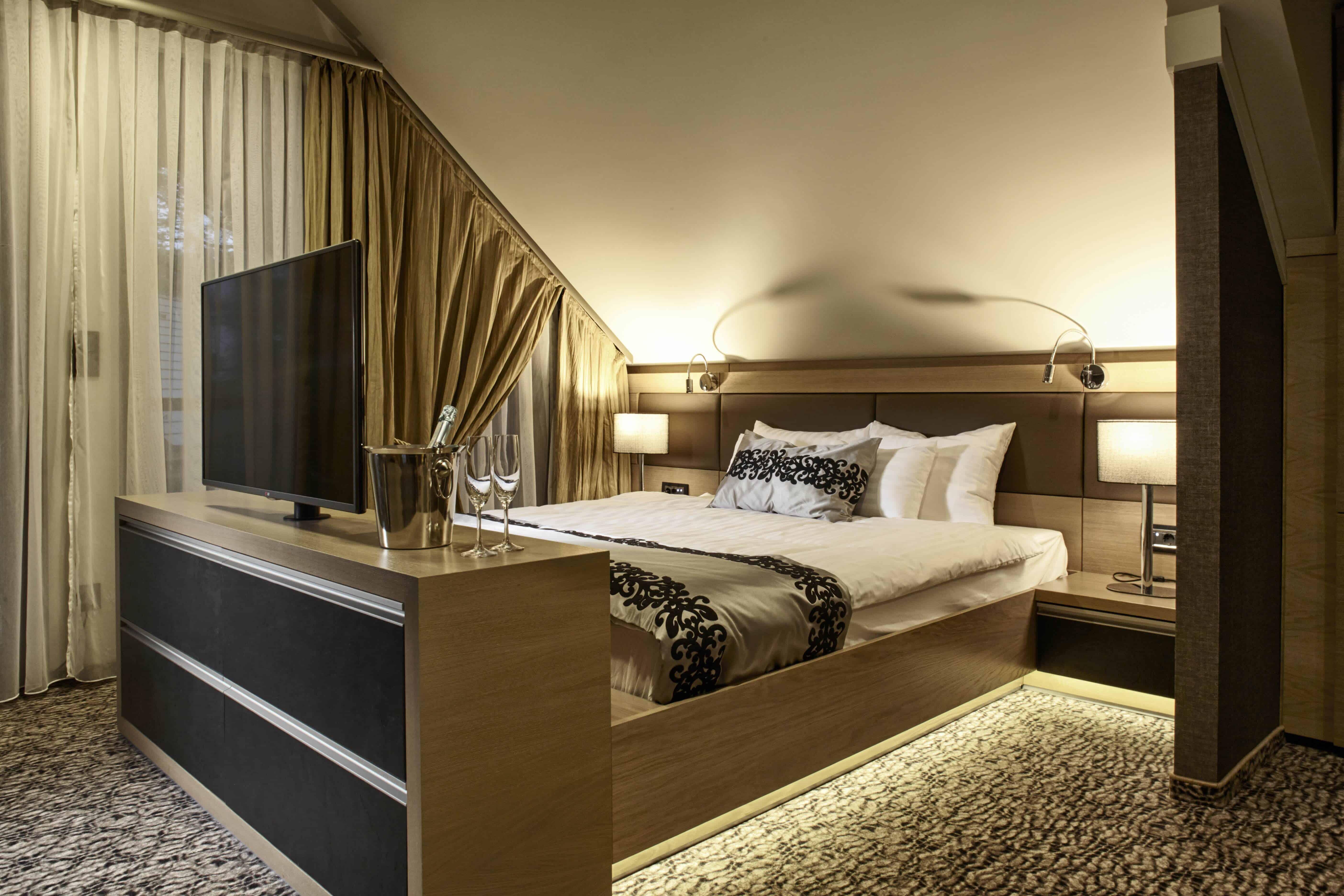 Avalon Hotel, Miskolc - LiteStone Black bútorfront
